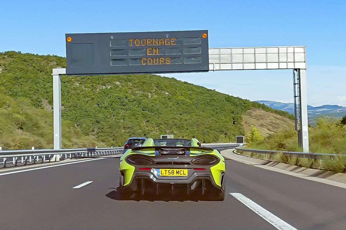 Fermeture du Viaduc de Millau avec la McLaren 600LT - Top Gear France